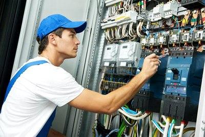 Wir suchen Elektroinstallateure